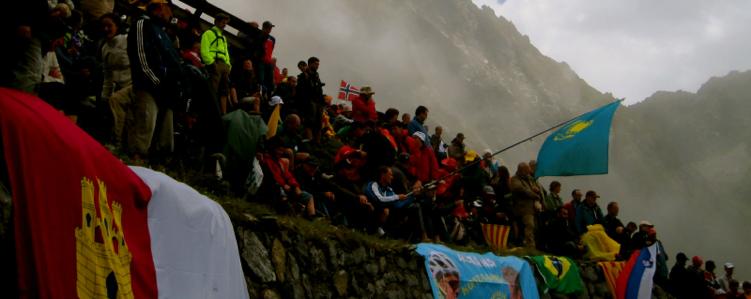 Fans on the Tourmalet - 2010 - tour de france tours