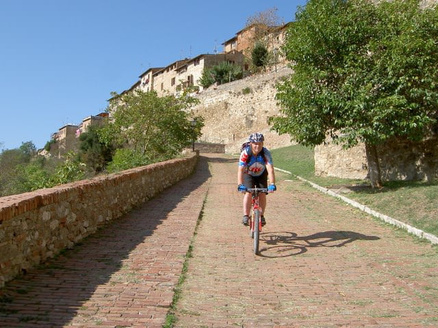Cycling through CHIANTI in Tuscany